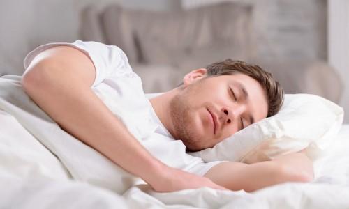 Để sáp vuốt tóc ngủ qua đêm: nên hay không?